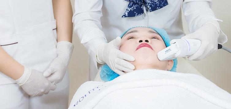 Công nghệ HIFU cải thiện vùng da chảy xệ bằng cách tán năng lượng và tạo nhiệt